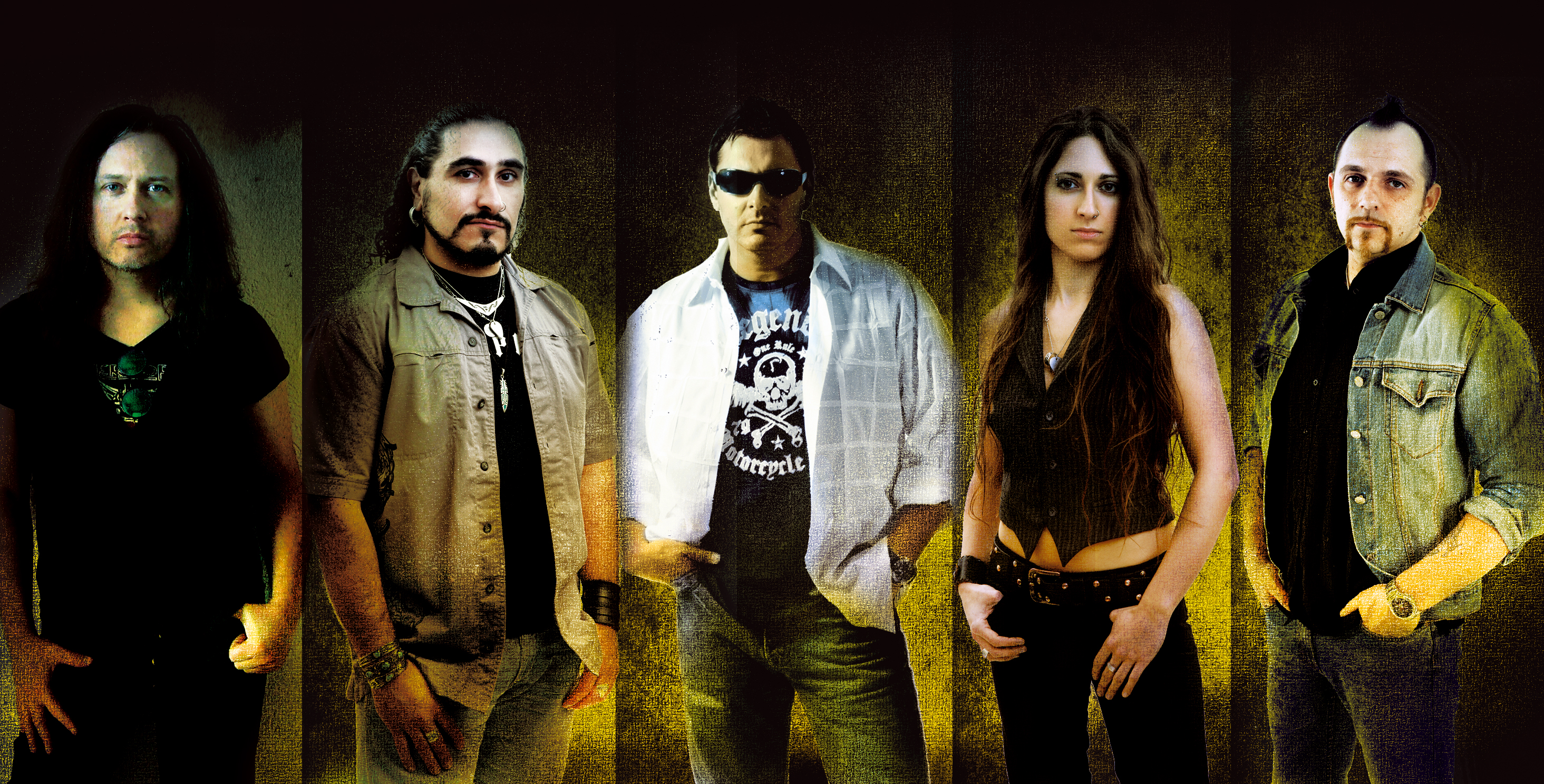 Rock Reviews dirt image: https://metalodyssey.files.wordpress.com/2012/06/hardline-band-promo-pic-2012-1.jpg
