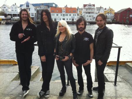 DORO - Group Promo Pic - Norway - 2012 - #2!