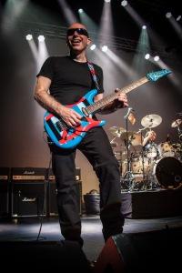 Joe Satriani Live - photo credit Jon Luini
