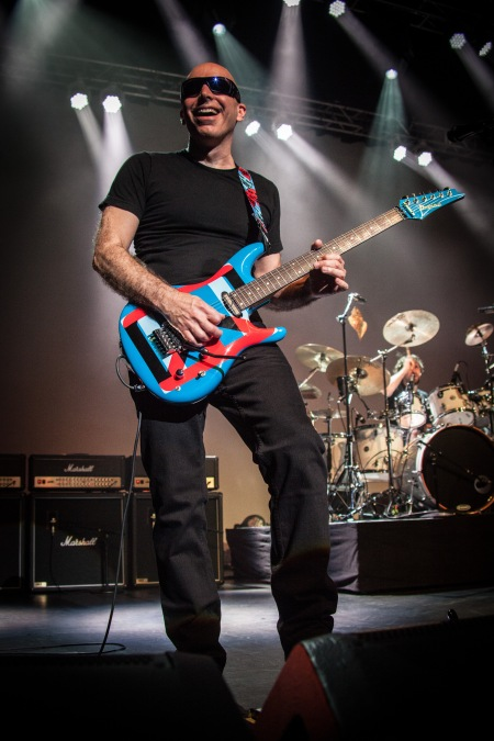 Joe Satriani Live - photo credit Jon Luini