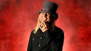 Robin Zander - publicity photo - #2014RZMO